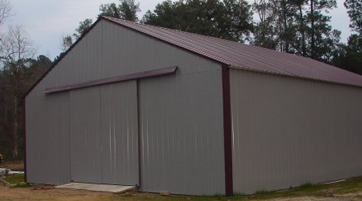 Enclosed Barn with no Roof Overhang